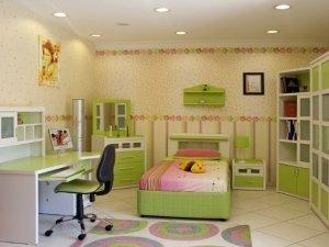 Белый натяжной потолок в детскую комнату